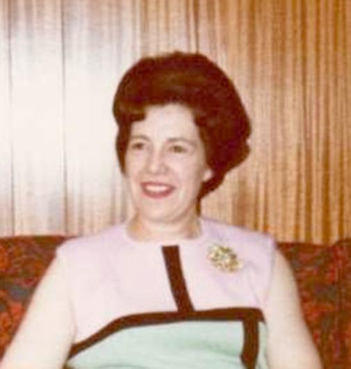 Betty Doris Arnold    (Nee Mobbs)