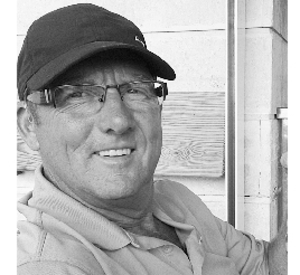 Dennis  LEADER