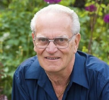 Kenneth  HAMMER
