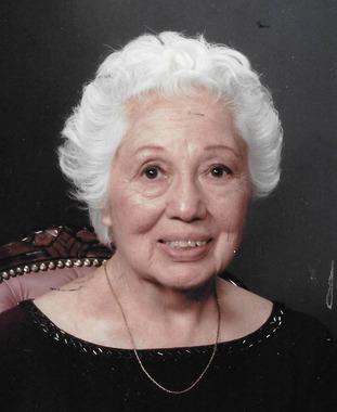 Nellie Macias Correa