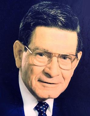 Dr. Douglas Gordon  Kinnear