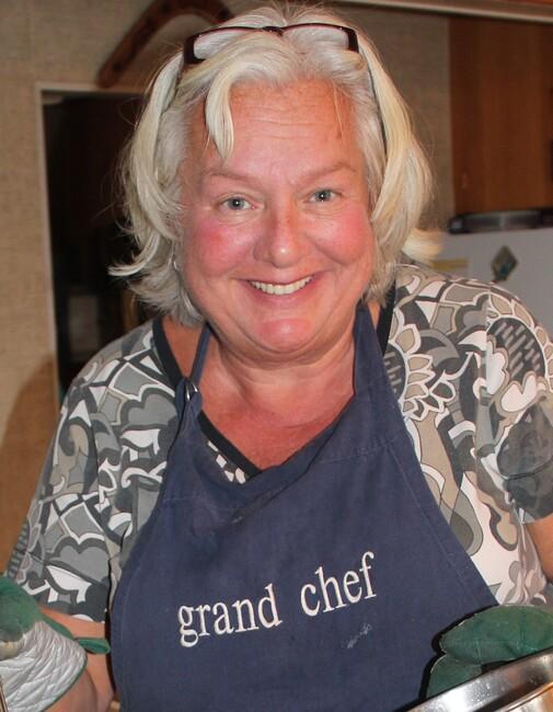 Marilyn  Lowden (nee Takacs)