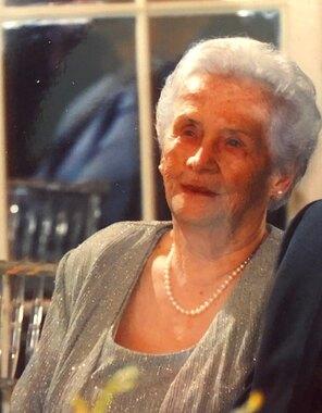 Mary Lee Kneisley