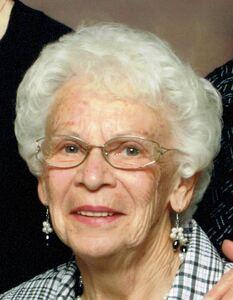 Isabelle  Marie Bracken