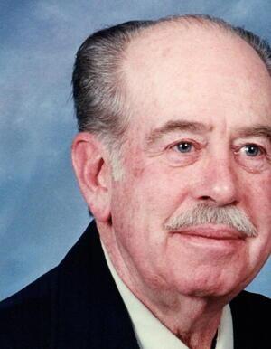 Robert Bob Lewis Wallizer