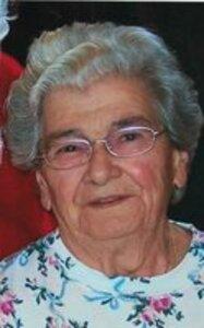 Arlene E. (Quadros) Grammy Cecilio