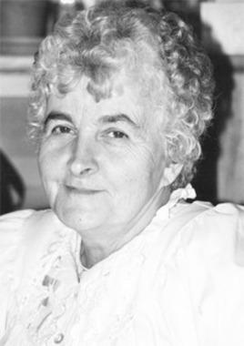 Valerie     (née Albrechtas)  Pumputis