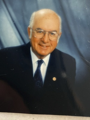 Robert  Murray Lyons