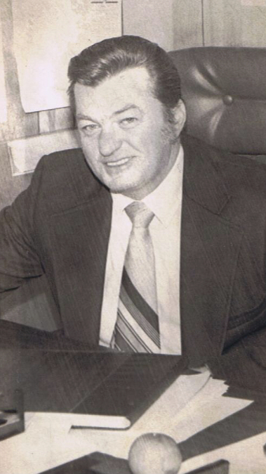 Leonard  Mcarthur