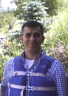 Elias Flores