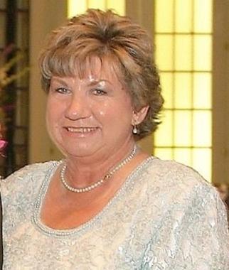 Carolyn  Richard