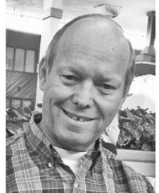 Wayne  Moore